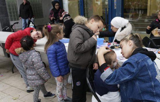 Le stand maquillage proposé par le CSC Liberté a rencontré beaucoup de succès auprès des plus jeunes.